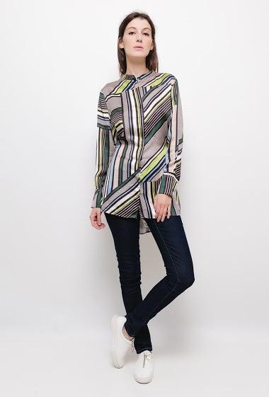 Tunique chemise à rayures colorées,La mannequin mesure 178cm et porte du S. Longueur:95cm(dos)