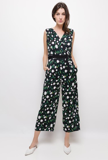 Wrap jumpsuit with printed flowers,The model measures 178cm and wears S. Length:135cm