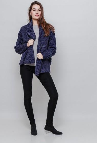 Chenille open cardigan, open front, velvet aspect, lurex. The model measures 172cm and wears S/M