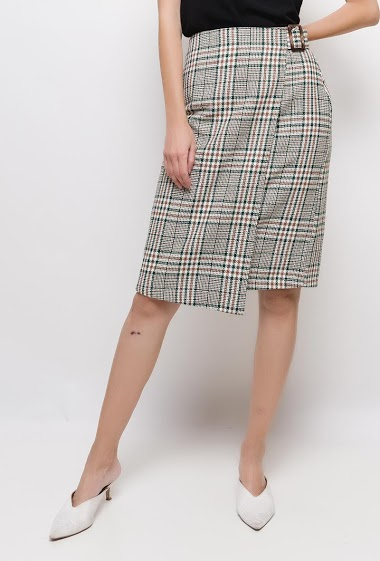Wallet skirt with checks