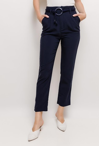 Belted pants. The model measures 176cm and wears S