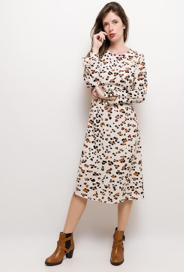 Printed dress, belt. The model measures 176cm and wears S. Length:115cm