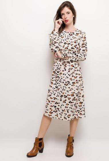 Robe imprimée, ceinture. La mannequin mesure 176cm et porte du S. Longueur:115cm