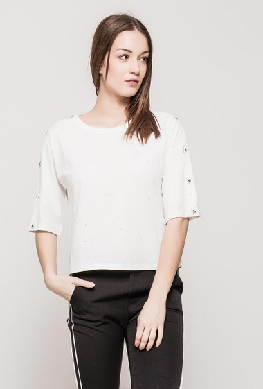 T-shirt with glitter, short sleeves with fancy detail, regular fit. The model measures 175cm and wears S