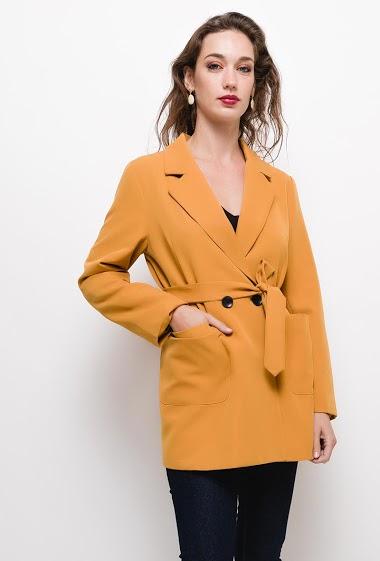 Manteau fluide,La mannequin mesure 177cm et porte du S. Longueur:75cm
