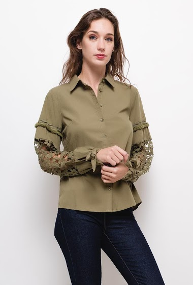 Shirt with lave sleeves