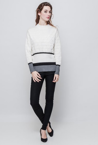 Knitted sweater, funnel neck, stripes, casual fit. The model measures 177 cm and wears S/M - Brand EXTELLE