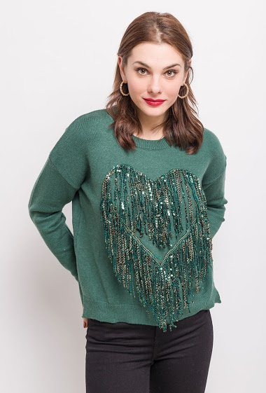 Sweater with sequinned fringes