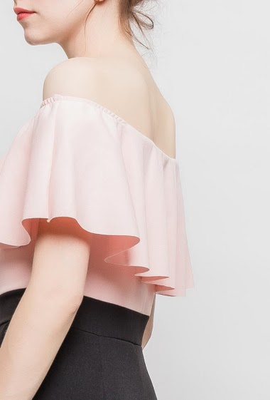 Combi-short bicolore à volants, épaules dénudées, poches, tissu stretch. TU correspond à T38/40