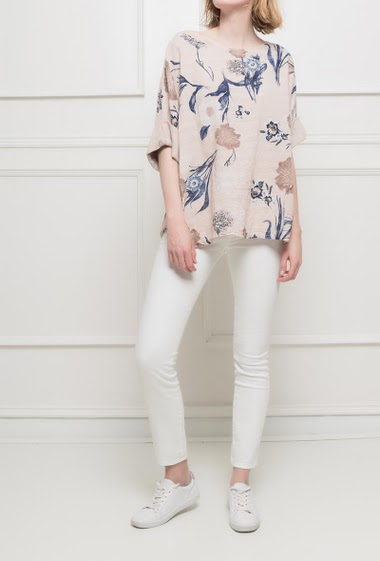 Floral blouse with short sleeves. Loose fit. TU corresponds to T38/40
