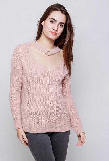 Sweater with V neck, choker neck. The model measures 172cm, one size corresponds to 38-40