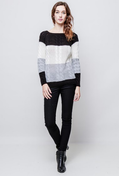Knitted sweater with twists, colorful bands, classic fit. The model measures 177cm, one size corresponds to 38-40