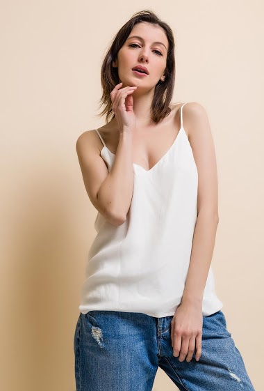 women's tank top, rounded neckline. The model measures 177cm and wears S.