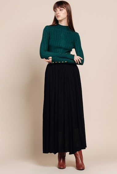 Jupe longue, taille élastique avec motif léopard. La mannequin mesure 172 cm et porte du S.