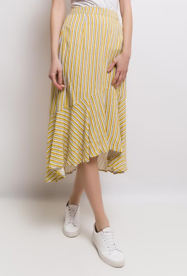 Long skirt, striped, elastic waist, steering wheel in the bottom. The model measures 178cm and wears S.