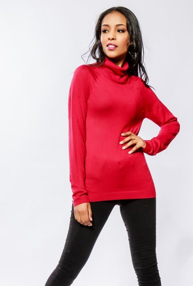 Fine knit sweater. The model measures 170cm and wears S