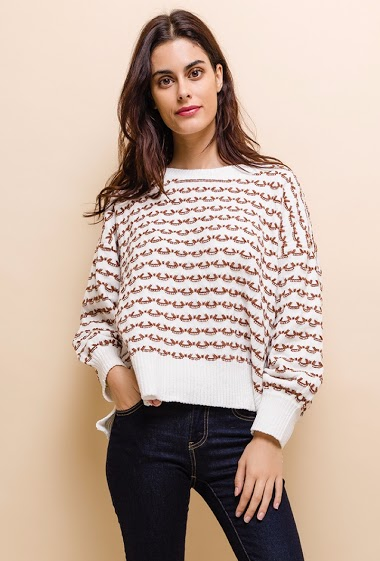 Women's sweater, large mesh, oversize, round neck, long sleeves. The model is 172 cm tall and is wearing a size S.