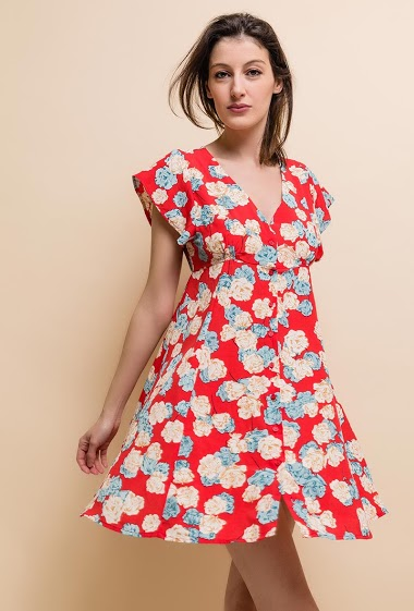 Short dress. Col V. Closure with tone-on-tone buttons. The model measures 178cm and wears S.