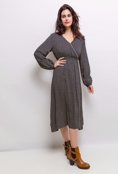Long dress, printed, hides heart, long sleeves. The model is 172 cm tall and is wearing a size S.