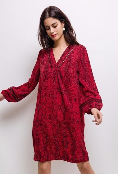 Robe imprimée, col V, manches longues bouffantes. La mannequin mesure 172 cm et porte du S.
