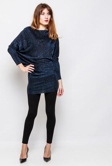 Robe à manches longues chauve-souris, jupe près du corps, idéale pour les fêtes. La mannequin mesure 178 cm et porte du S/M