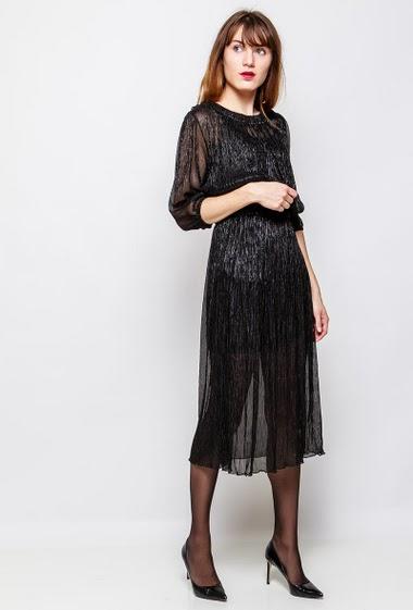 Robe longue transparente, vendue sans doublure, idéale pour les fêtes. La mannequin mesure 178 cm et porte du S/M