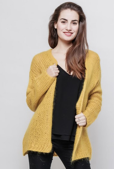 Open cardigan, open front, casual fit. The model measures 172cm, one size corresponds to 38-42
