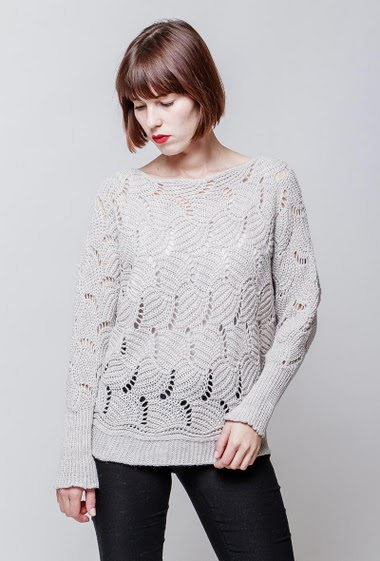 Knitted sweater with lurex. The model measures 172cm, one size corresponds to 38-40