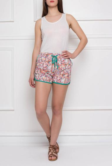 Printed short with contrasting trim, pockets