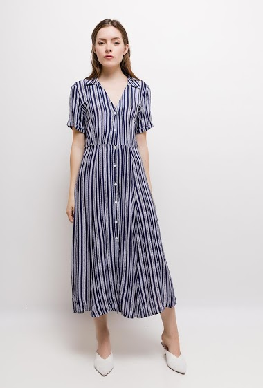 Striped dress. The model measures 168cm and wears S. Length:115cm