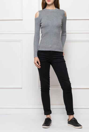 Top in ribbed knit with cold shoulders