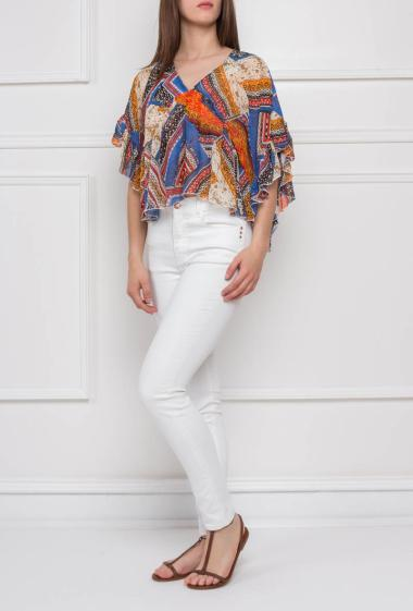 Flared top with colorful pattern, batwing sleeves