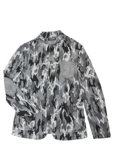 Camo jacket with padded shoulders, pockets
