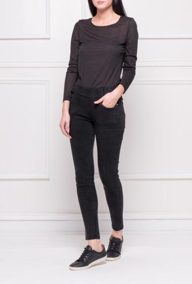 Stretch leggings with pockets and elastic waist, very comfortable