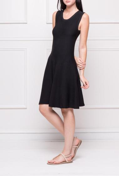 Fitted and flared sleeveless dress