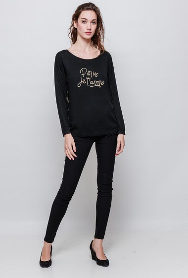 Fine knitted sweater, shoulder with gold  buttons. The model measures 177cm, one size corresponds to 38-40