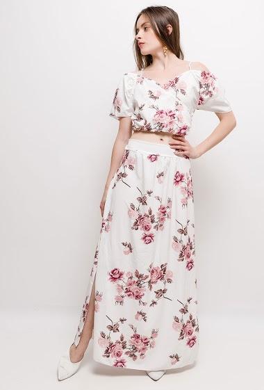 Top court et jupe longue, fleurs imprimées. La mannequin mesure 168cm, TU correspond à 38/40