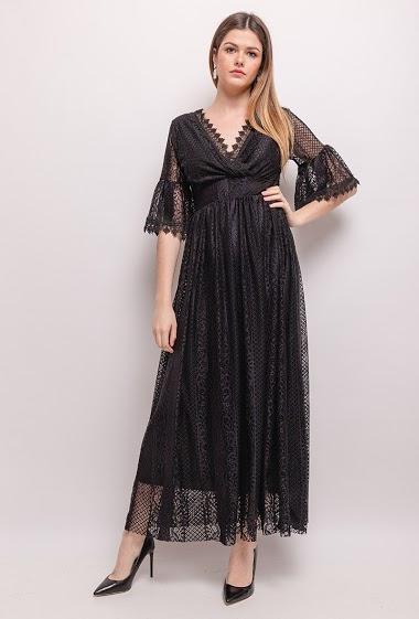 Robe longue, poitrine rembourrée, dos transparent. La mannequin mesure 171cm, TU correspond à 38/40. Longueur:144cm