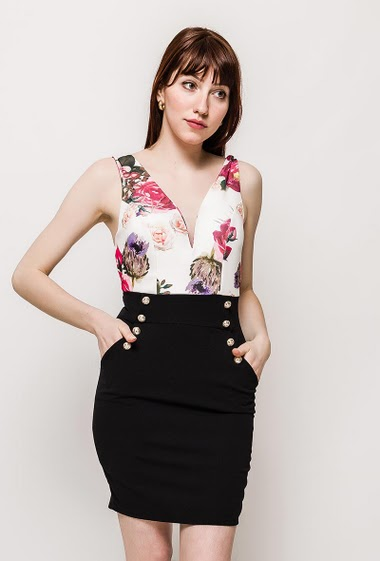 The model measures 174cm, one size corresponds to 10/12(UK) 38/40(FR). Length:90cm