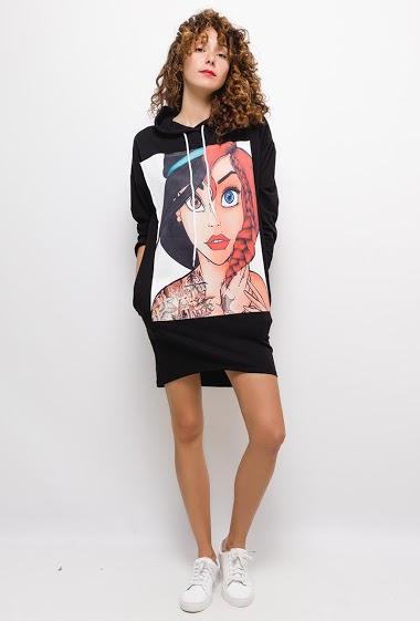 Robe sweat à capuche imprimé Disney,La mannequin mesure 177cm, TU correspond à 38/40. Longueur:80cm
