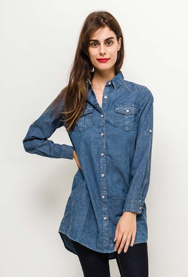 Shirt tunic, roll-up sleeves, side pockets. The model measures 176cm and wears S. Length:89cm