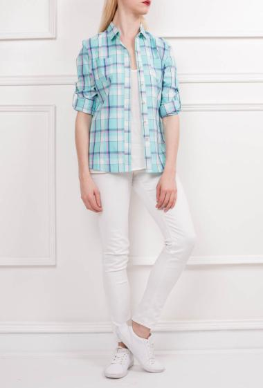 Cotton shirt with two chest patch pockets, roll-up sleeves