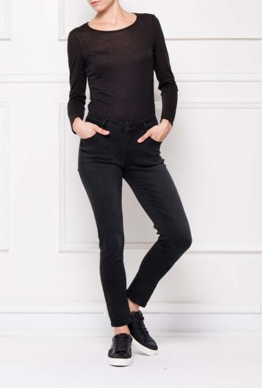 Basic trousers with pockets, slim fit