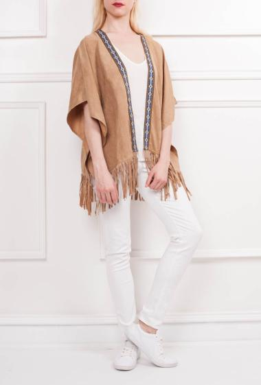 Jacket with embroidered border and fringes, short sleeves