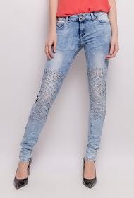 ALINA jeans desteñidos calados