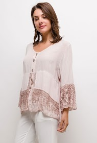 BELLOVE blouse with lace