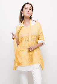 BELLOVE tunic with lace and scarf