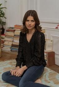 CHOKLATE shiny textured blouse