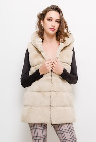 CHOKLATE fur sleeveless jacket
