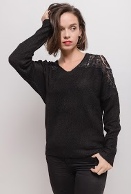 COLYNN sweater with lace